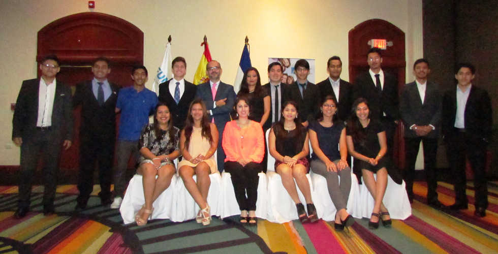 Students of El Salvador will be starting university studies in UNEATLANTICO