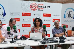 Patricia Martínez participates in the Spanish and Latin American radios workshop in El Escorial