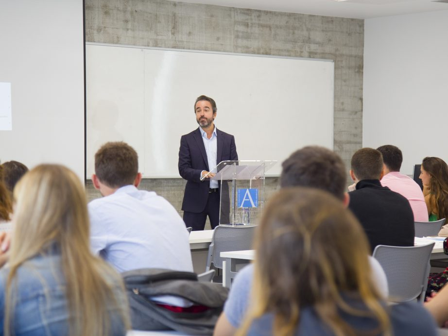 UNEATLANTICO welcomes ERASMUS+ students who will join the program during the second term