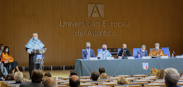 UNEATLANTICO celebrates the opening ceremony of the 2021-2022 year and awards the best academic records